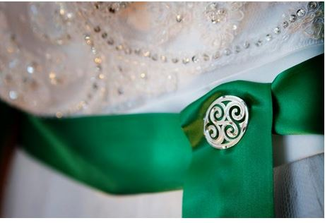 Photo from http://en.paperblog.com/styled-st-patrick-s-day-wedding-465438/