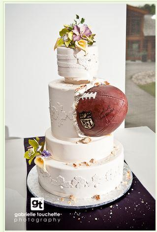 Cake by Cake Studio http://www.cakestudio.ca/wedding-cakes1.html