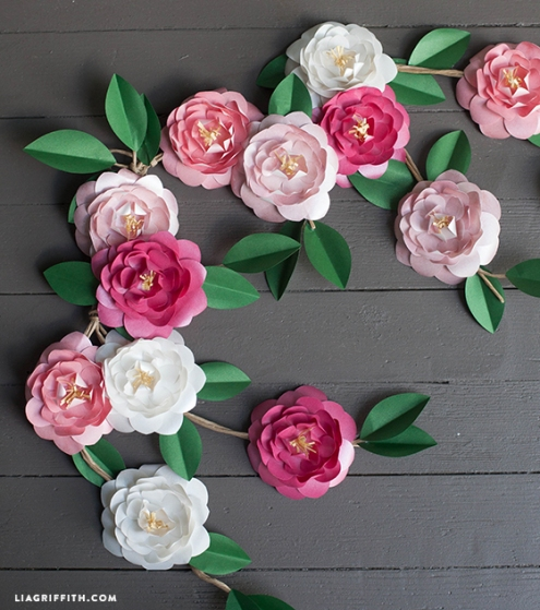 Photo Credit: http://liagriffith.com/diy-metallic-paper-camellias/