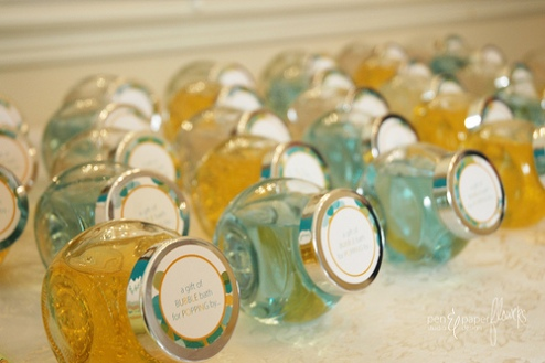 Photo Source: http://www.popsugar.com/moms/photo-gallery/15691202/image/15691328/She-About-Pop-Bubble-Themed-Baby-Shower
