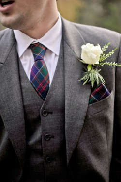 Photo Source: http://www.elizabethannedesigns.com/blog/2011/02/03/scotland-wedding-alvie-estates/ Photo Credit: Rebkah J Murray http://www.rebekahjmurray.com/